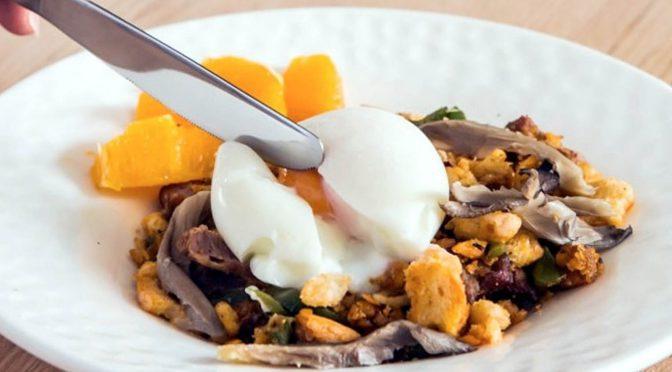 Huevos Mollet con Migas y Setas