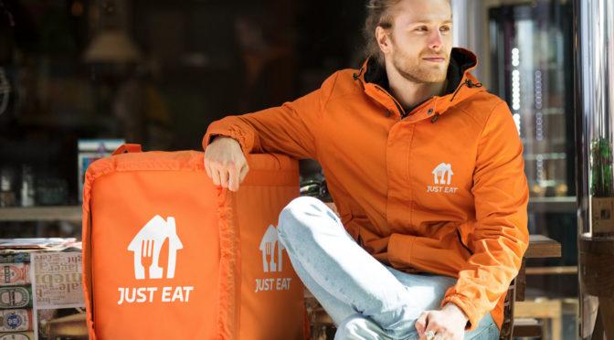 Just Eat Takeaway.com creará su propia red de repartidores con contrato laboral
