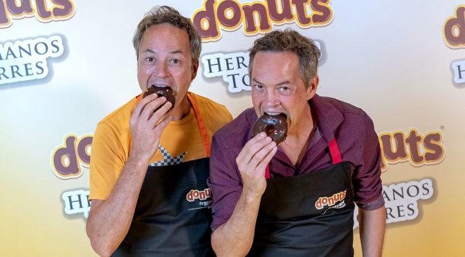 Donuts se une a los hermanos Torres para crear una experiencia de doble puro placer